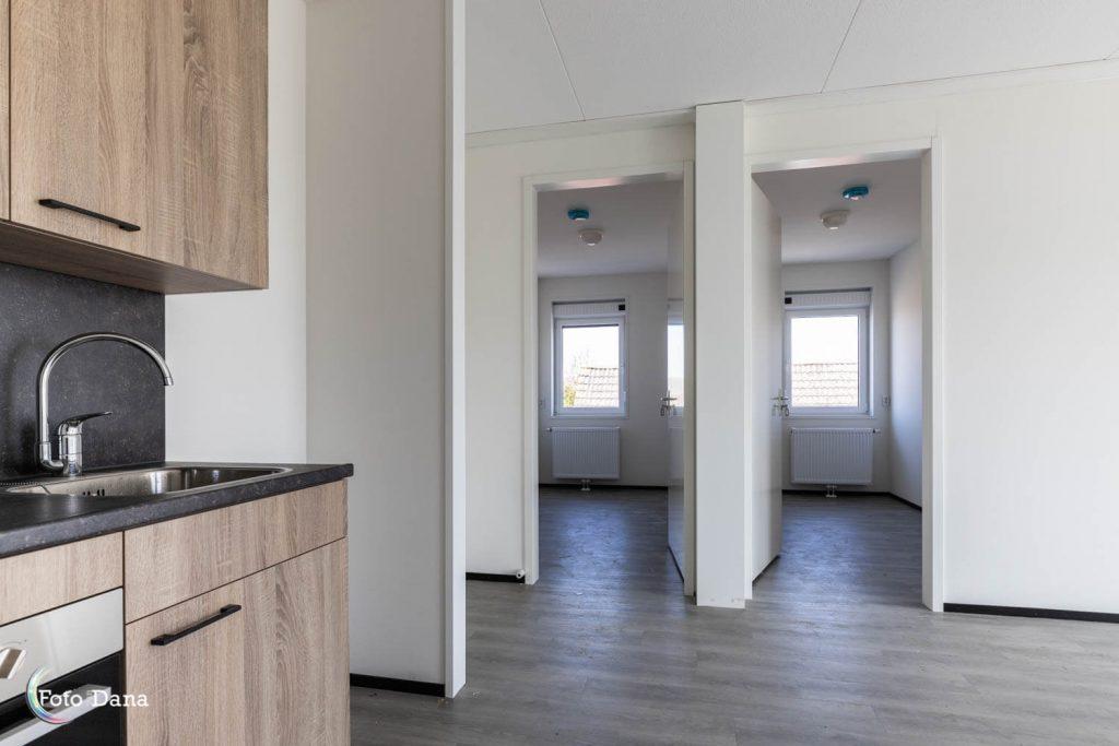 modulaire woning binnenkant keuken woonkamer en slaapkamers